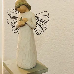Angel of Healing, by Willow Tree